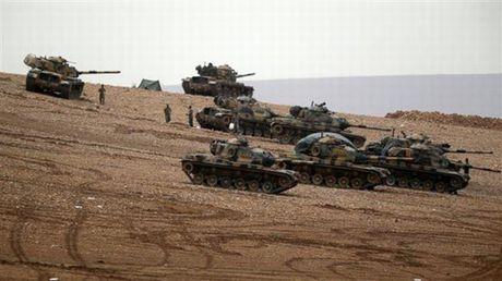 Quan Assad sap hung 'don' tra thu tham khoc? - Anh 1
