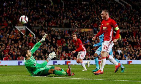 Rooney toa sang, M.U thang an tuong o Europa League - Anh 1