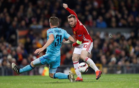 Rooney toa sang, M.U thang an tuong o Europa League - Anh 2