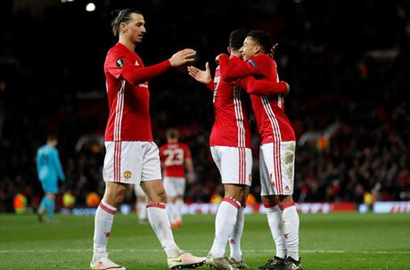 Rooney toa sang, M.U thang an tuong o Europa League - Anh 3