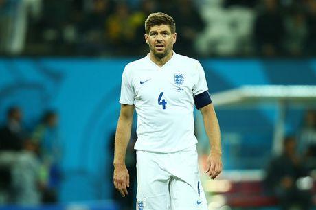 Gerrard: Vi dai o Liverpool nhung chang co gi voi tuyen Anh - Anh 1