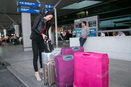 Dieu Ngoc mang hon 100 kg hanh ly toi Miss World 2016 - Anh 1