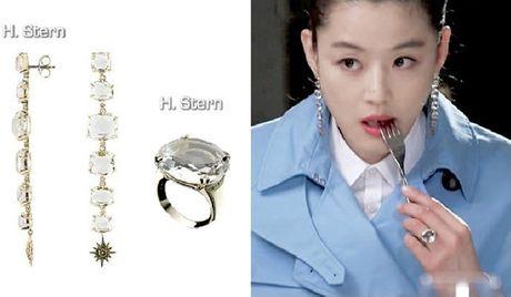 Nu trang dang cap cua Jun Ji Hyun trong 2 phim hot - Anh 13