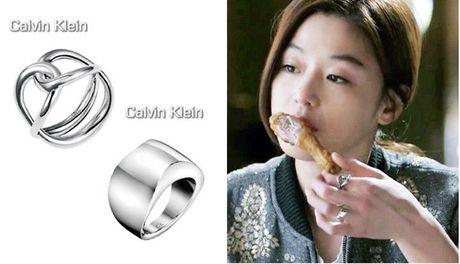 Nu trang dang cap cua Jun Ji Hyun trong 2 phim hot - Anh 7