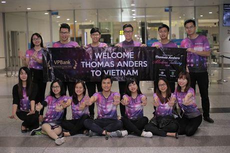 Modern Talking da den Viet Nam, chuyen bay ha canh luc 6h45 - Anh 9