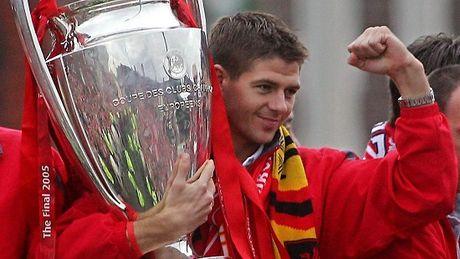 'Tuong dai' Gerrard cua Liverpool giai nghe - Anh 1