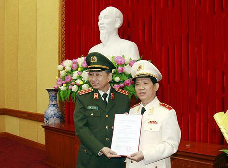 Cong bo Quyet dinh bo nhiem Thu truong Bo Cong an Nguyen Van Son - Anh 1