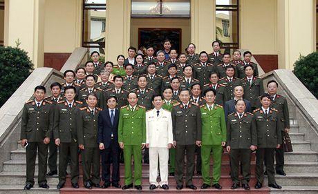Cong bo Quyet dinh bo nhiem Thu truong Bo Cong an Nguyen Van Son - Anh 2