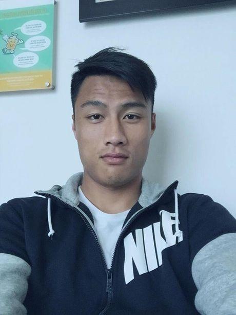 Tin giai tri ngay 25/11: Mac Hong Quan pho phac; BTV Van Anh nghi viec - Anh 2