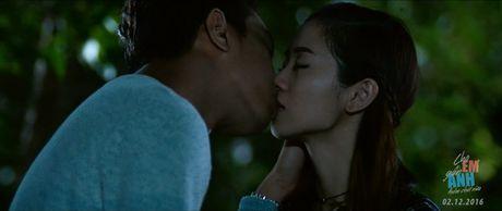 Huong Tram lay nuoc mat khan gia trong 'Cho em gan anh them chut nua' - Anh 5