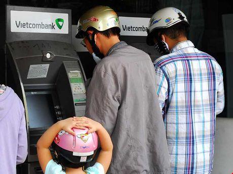 Moi ngay duoc rut toi da bao nhieu tien the ATM? - Anh 1
