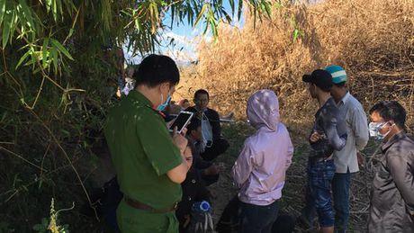 Thi the nguoi dan ong noi tren song Dak Bla - Anh 1