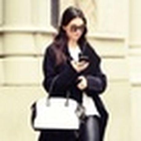 Kendall Jenner: Tu cai bong cua Kim Kardashian den 'nu hoang catwalk' - Anh 16