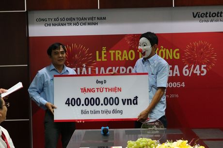 Nguoi trung doc dac 56 ty trich 1 ty dong lam tu thien - Anh 2