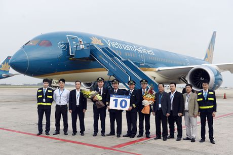 Vietnam Airlines don nhan may bay Boeing 787 Dreamliner thu 10 - Anh 1