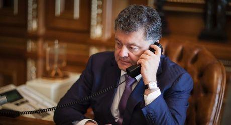 Tong thong Ukraine va ong Trump da thao luan gi trong cuoc dien dam dau tien? - Anh 1