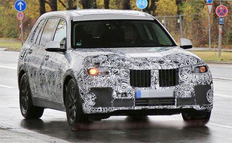 BMW X7 ban 4 cho se thach thuc Bentley Bentayga - Anh 1