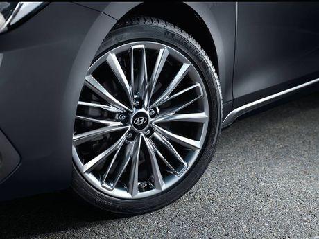 Hyundai tan cong phan khuc sedan cao cap bang Azera moi - Anh 10