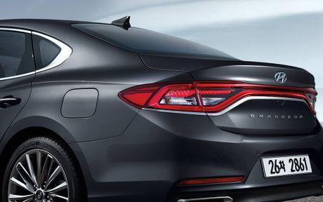 Hyundai tan cong phan khuc sedan cao cap bang Azera moi - Anh 6