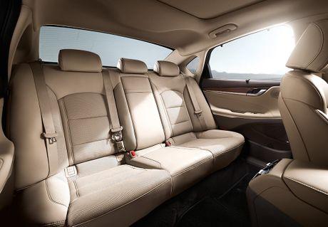 Hyundai tan cong phan khuc sedan cao cap bang Azera moi - Anh 9