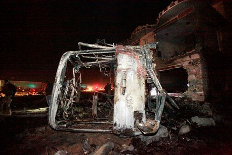 IS danh bom lieu chet o Iraq, 100 nguoi thiet mang - Anh 9