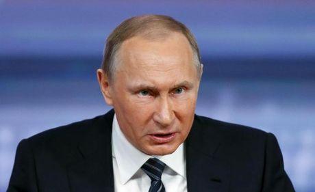 Tranh cai quanh nghi quyet EU ve truyen thong Nga - Anh 1