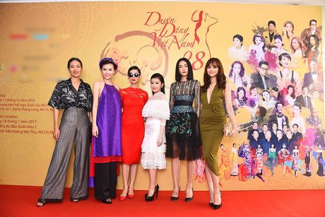 BTC 'Duyen dang Viet Nam' len tieng ve gia ve len den 22 trieu dong - Anh 1