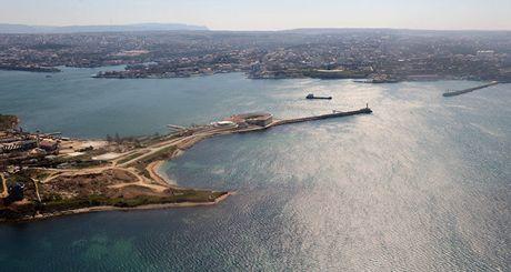 Nga mo duong cho Tho tien thang den Crimea - Anh 1