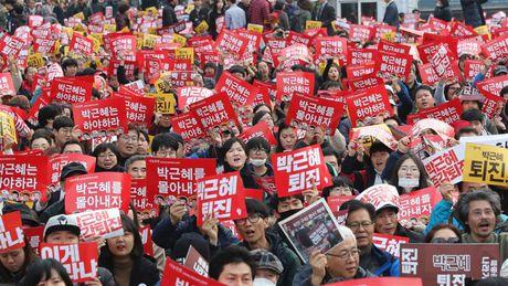 Han Quoc sap bo phieu de luan toi Tong thong Park Geun-hye - Anh 1