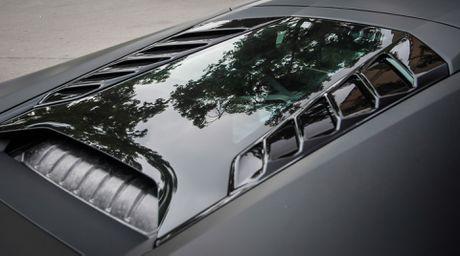 Lamborghini Huracan mau den mo doc nhat Viet Nam xuong pho - Anh 7