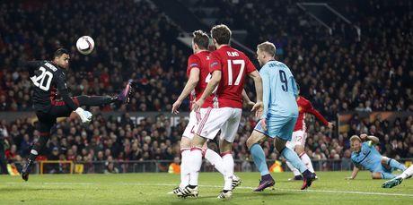 Rooney di vao lich su sau tran thang 4 sao - Anh 3