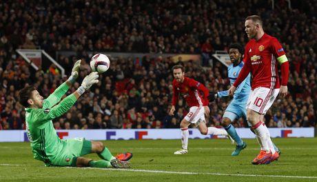 Rooney di vao lich su sau tran thang 4 sao - Anh 4