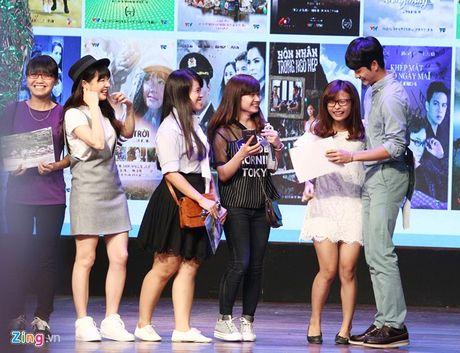 Khoanh khac Kang Tae Oh than thiet voi fan Viet - Anh 7