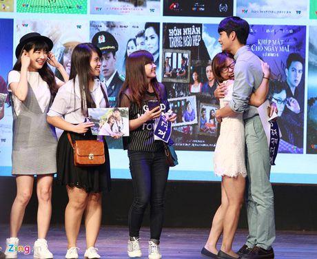 Khoanh khac Kang Tae Oh than thiet voi fan Viet - Anh 8