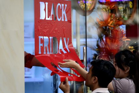Black Friday o Sai Gon: Noi khep cua chan khach, noi tho o - Anh 17