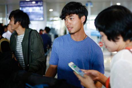 Cong Phuong thay doi hinh anh truoc tran gap Campuchia - Anh 1