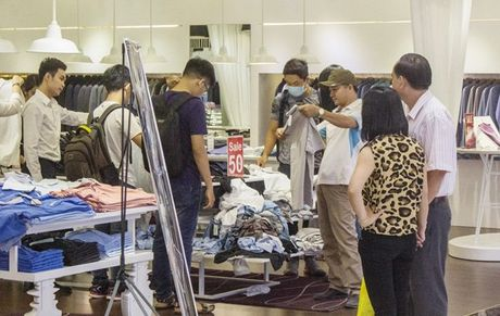 Khiep so Black Friday: Khach xep 10 day, chu hang dong cua tron - Anh 22