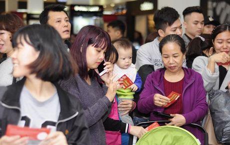 Khiep so Black Friday: Khach xep 10 day, chu hang dong cua tron - Anh 5