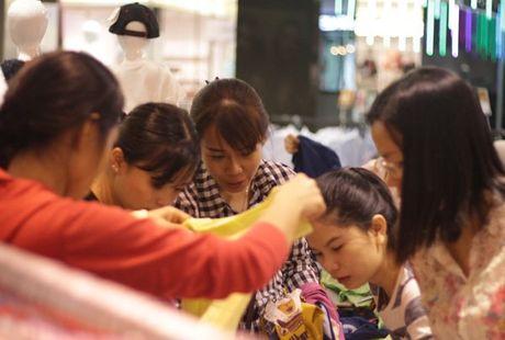 Khiep so Black Friday: Khach xep 10 day, chu hang dong cua tron - Anh 6