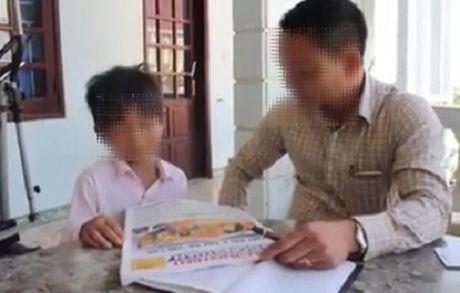 Quang Binh: Xac minh viec hoc sinh khong biet doc van phai len lop - Anh 1