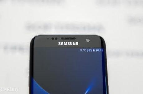 Lo dien them mot phien ban nua cua Samsung Galaxy S8 - Anh 1