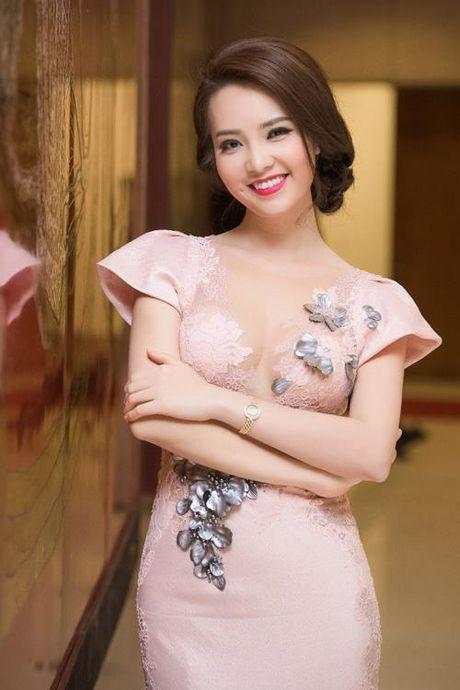 A hau Thuy Van tiet lo bi quyet de chong yeu chieu khong chan - Anh 4