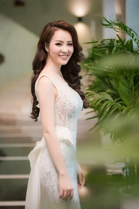 A hau Thuy Van tiet lo bi quyet de chong yeu chieu khong chan - Anh 6