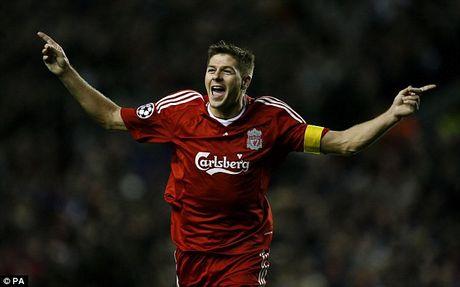 Nhin lai su nghiep lay lung cua tien ve Steven Gerrard - Anh 10