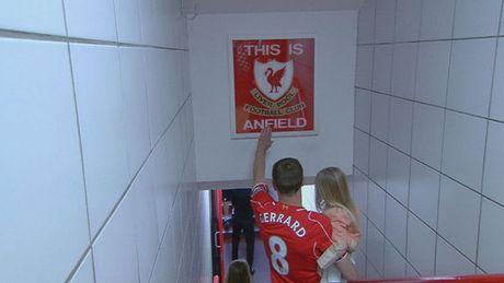 Nhin lai su nghiep lay lung cua tien ve Steven Gerrard - Anh 13