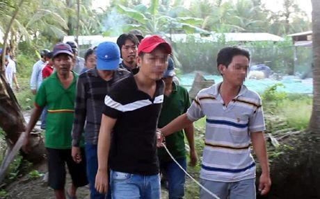 Cong an dot nhap truong ga bat qua tang 34 doi tuong - Anh 1