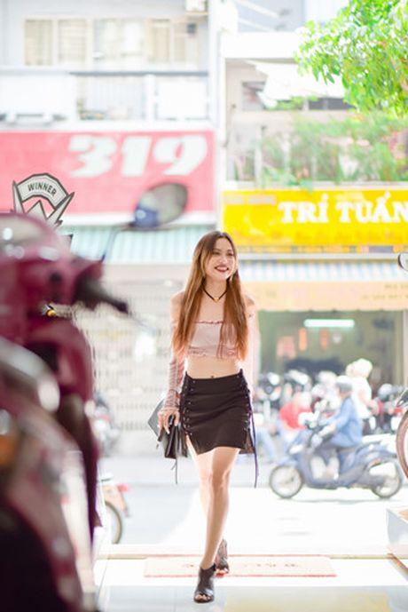 'Nam lun' Fung La va Quynh Chau nhi nhanh do dang truoc ong kinh - Anh 4