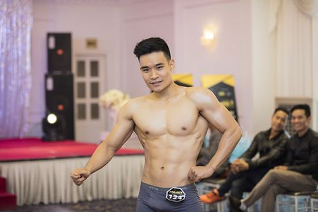 Khanh Ngan mac xuyen thau giua troi lanh ben Ngoc Tinh tai Ha Noi - Anh 12