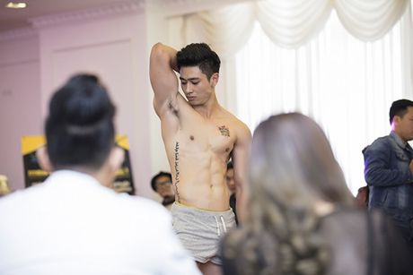 Khanh Ngan mac xuyen thau giua troi lanh ben Ngoc Tinh tai Ha Noi - Anh 14