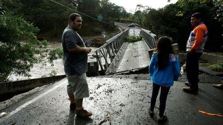 Sieu bao Otto do bo vao Costa Rica, it nhat 34 nguoi thuong vong - Anh 1